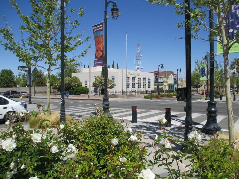 Palmdale, Lancaster 111 (800x600)