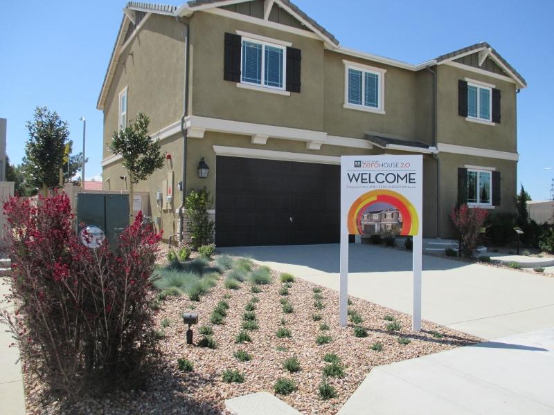 Palmdale, Lancaster 056 (800x600)
